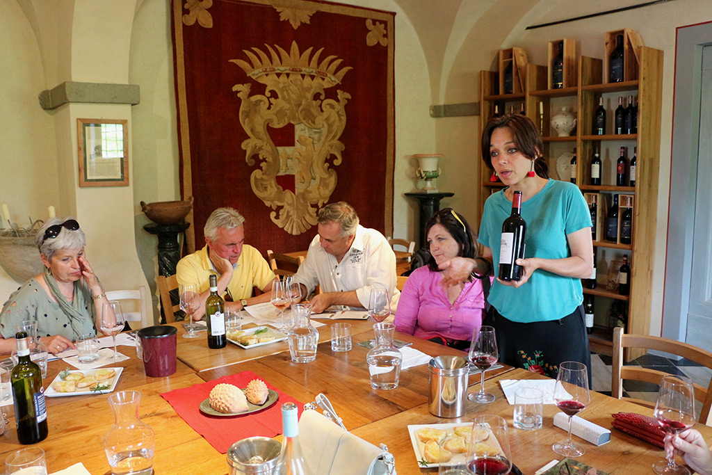 23-The-Divine-Wine-tours-for-wine-lovers-and-collectors-in-Tuscany-Chianti